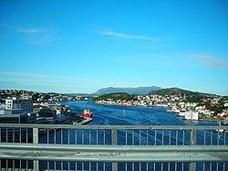 Kristiansund fra Innlandsbrua.jpg