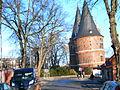 Lübeck-holstentor-schieflage.JPG