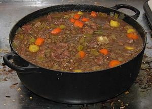 English: lamb stew with leeks, lentils, yellow...