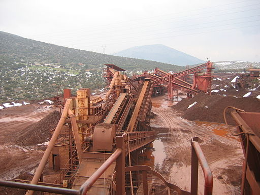 Laterite ore crushing Larco