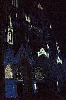 Le ciel et la cathédrale 7167.jpg