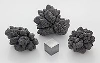 Lead electrolytic and 1cm3 cube.jpg