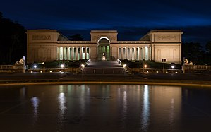 Legion of Honor (museum) - Image: Legion of Honor at night