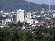 Der Gebäudekomplex Lentia 2000 (Bildmitte) von Norden aus gesehen.
