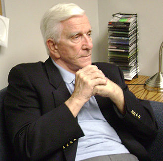 Leslie Nielsen - Leslie Nielsen in March 2009 at DeSales University in Center Valley, Pennsylvania