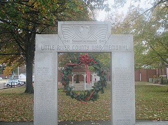 Little River County, Arkansas - Little River County War Memorial during Christmas