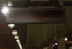 Long Wait for Circle Line Train at Gloucester Road (2540704040).jpg