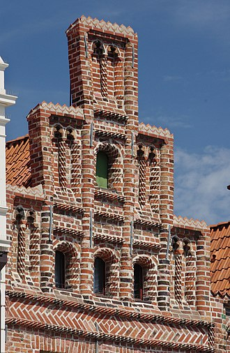 Crow-stepped gable - Crow-stepped gable on a house in Lüneburg, Germany