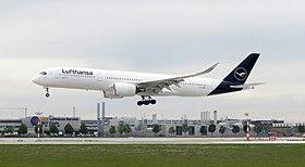 Lufthansa A350-900 D-AIXL 2019-09-22 Munich Airport p002.jpg