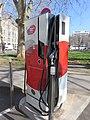 Lyon 2e - Borne recharge véhicules électriques rue Ravat (mars 2019).jpg