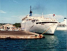 MV The Victoria alongside Fort de France Nov 06 1985.jpg
