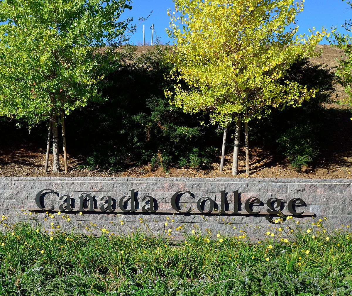 1200px-Main_entrance_to_Canada_College.jpg