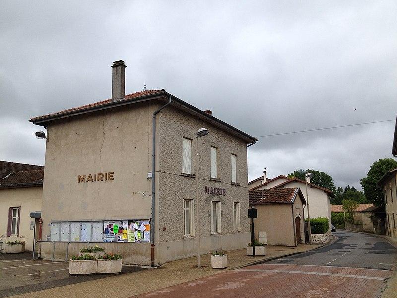 Mairie de Saint-Maurice-de-Gourdans et route de Lyon.