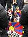 Manifestants tibétains maintenus à l'écart 03.jpg
