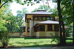 Mary w adams house 1923LakeAve side.JPG