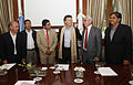 Mauricio Macri firmó convenios de colaboración con los intendentes de cinco municipios de Catamarca (8103638072).jpg