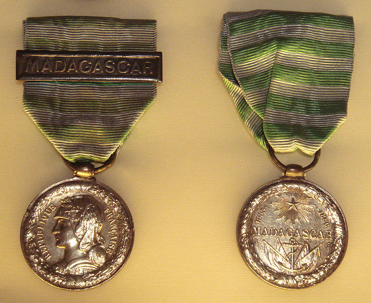 File:Medal of the First Madagascar expedition.jpg