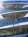 Mercedes-Benz-Museum (Fassade)-2.JPG