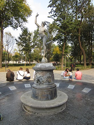 Fountain of Mercury - The fountain and statue in 2018