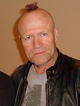 Michael Rooker 2013 02 (cropped).jpg