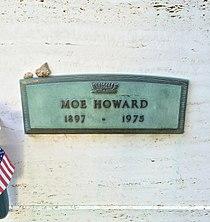 Moe Howard Grave.JPG