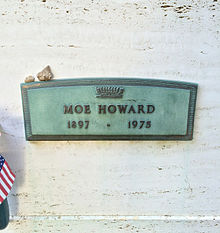 Moe Howard Grave.JPG