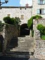Montpeyroux (63) porche passage (1).JPG