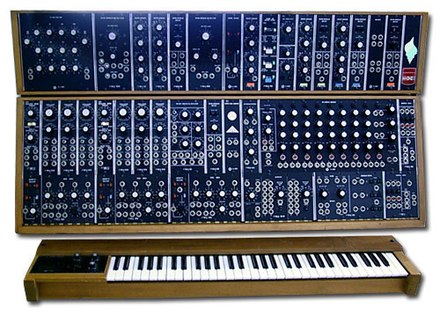 The Moog modular synthesizer of 1960s–1970s Moog Modular 55 img2.jpg