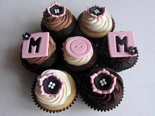 Mother's Day Cupcakes (4592972238)