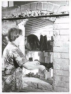 Helen Mason (potter) New Zealand potter, writer and editor (1915—2014)