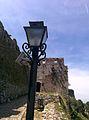 Ndriqmi modern tek Kalaja e lashtë.jpg