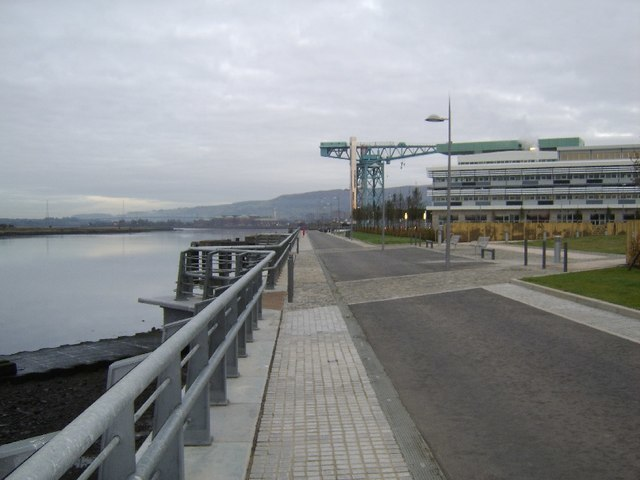 New Clydebank waterfront - geograph.org.uk - 587115