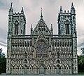 Nidaros-cathedral-west-front.jpg