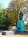 Novomyrhorod Brothery Grave of WW2 Warriors Sobornosti Str. 140 (YDS 2907).jpg