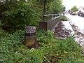 Ober-Wöllstadt, Prellstein an einer Brücke.jpg