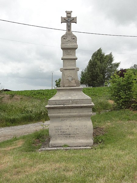 Oberstinzel (Moselle) croix de chemin