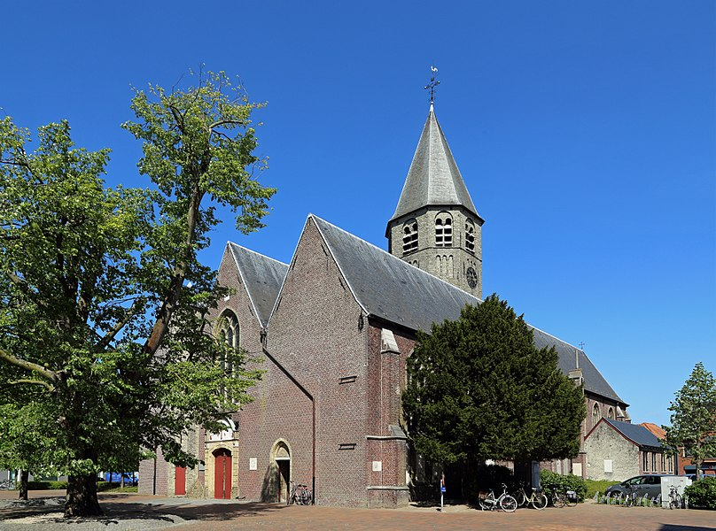 Oostkamp (province of West Flanders, Belgium): St Peter's church