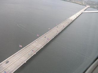 Teodoro Moscoso Bridge - The bridge in March 2010