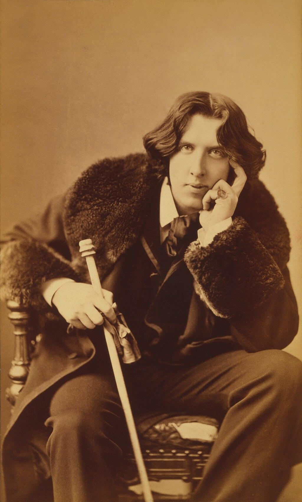 Oscar Wilde portrait by Napoleon Sarony - albumen