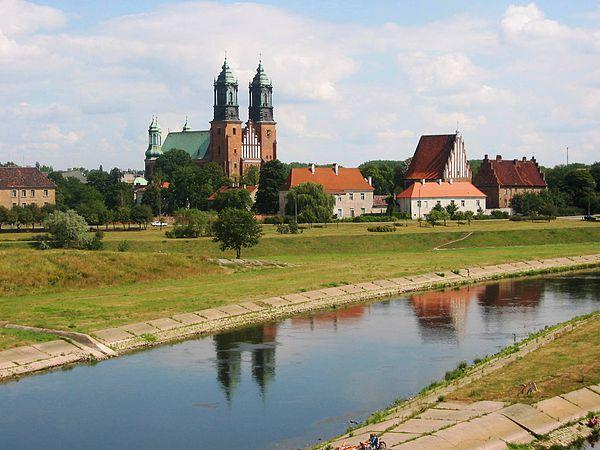 Ostrów Tumski w Poznaniu. Fot. Wikimedia Commons, autor: Radomil, lic. CC-BY-SA-3.0.