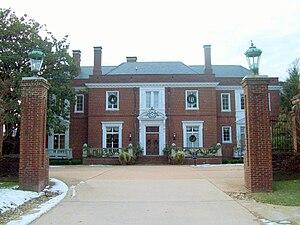 Oxon Hill Manor - Image: Oxon Hill Manor Front Facade Dec 10