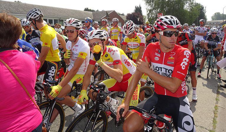 Péronnes-lez-Antoing (Antoing) - Tour de Wallonie, étape 2, 27 juillet 2014, départ (D13).JPG