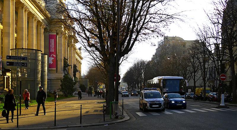 Fichier:P1220077 Paris VIII avenue F Roosevelt rwk.jpg