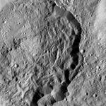 PIA20961-Ceres-DwarfPlanet-Dawn-4thMapOrbit-LAMO-image199-20160610.jpg