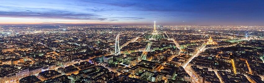 Noční Paříž z mrakodrapu Tour Montparnasse (210 m)
