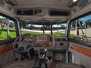 Peterbilt 379 - Image: Peterbilt 379 interior 2000 2007
