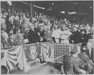 1947 Major League Baseball season - President Truman throwing out the first pitch of 1947
