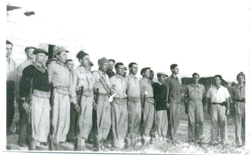 אנשי כפר אתא בכבוש משטרת שפרעם