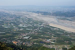 Pingtung Plain and Laonung River.jpg