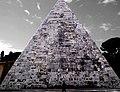 Piramide Cestia - zacharym.jpg